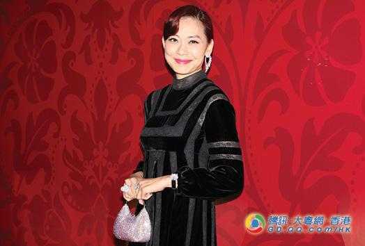 任珠海社团总会会长 邝美云首要任务筹钱买会址