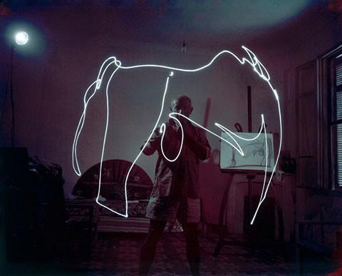 炫酷的线条!毕加索的光影涂鸦