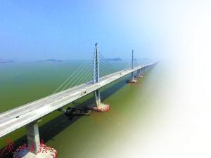 港珠澳大桥主桥全线贯通