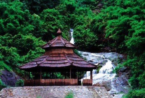 皂幕山景区是高明首个国家4a级旅游景区,景区内有大佛山观音禅寺,丽堂图片
