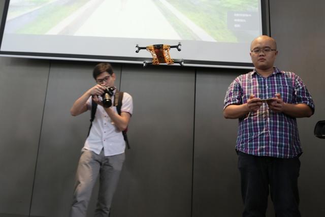 莞企发布超薄无人机 可放进口袋的飞行自拍神器