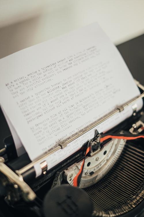 """复古打字机的""""手感"""""""