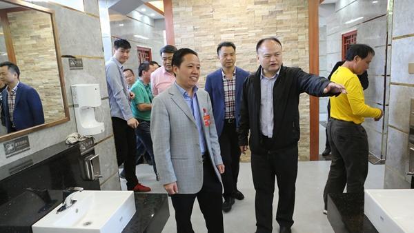 """宝安开展""""厕所革命"""" 今明两年完成355座公厕提升工作"""