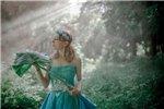 美女演绎爱丽丝之奇幻森林