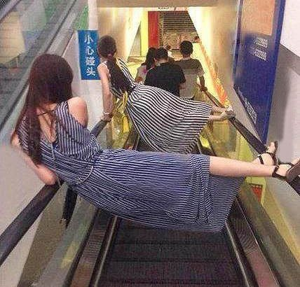 """电梯""""吃人"""" 这些方法能救命!"""