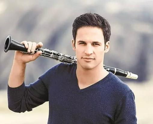 柏林爱乐最年轻单簧管首席加盟深交音乐会