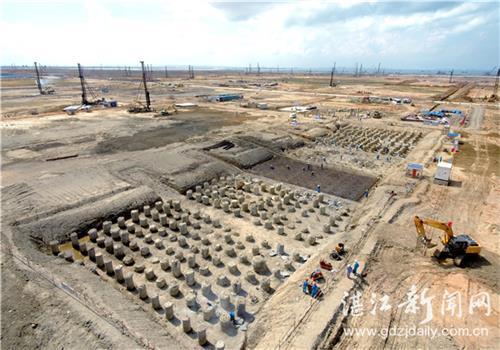 中科炼化掀起土建施工高潮