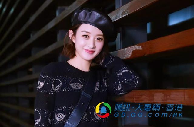 赵丽颖首次飞巴黎参与时装周图片