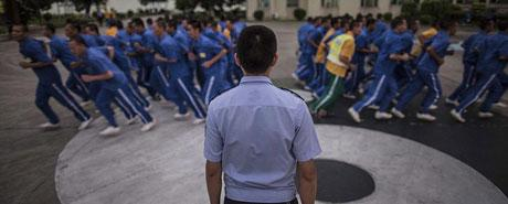 """和500名HIV携带者""""关一起""""的警察刘斌"""