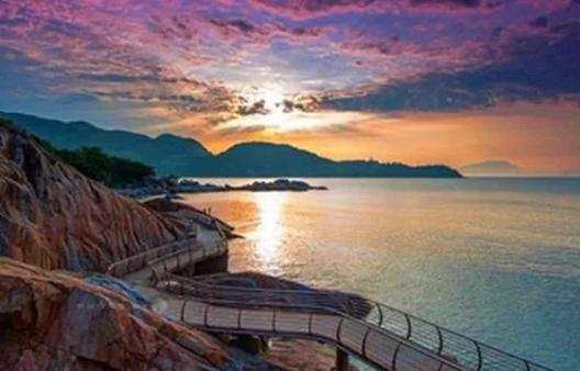 你知道在深圳,有一个不可错过的海滨栈道吗?