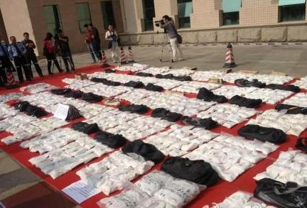 惠州缴获毒品1.7吨铺满地场面壮观 抓获53人