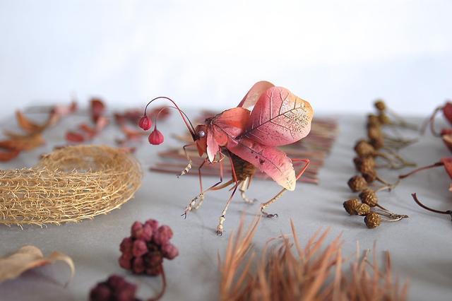 日本艺术家Hiroshi Shinno创作的仿真昆虫雕塑