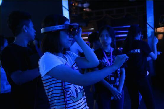 《终结者2》25周年特展揭幕仪式隆重召开