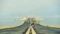 港珠澳大桥海隧今全线合龙