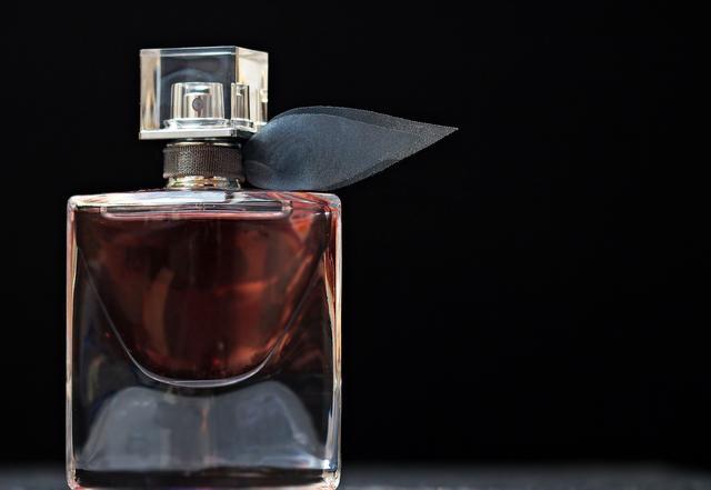 香水久久没用怕过期?教你精明用途!