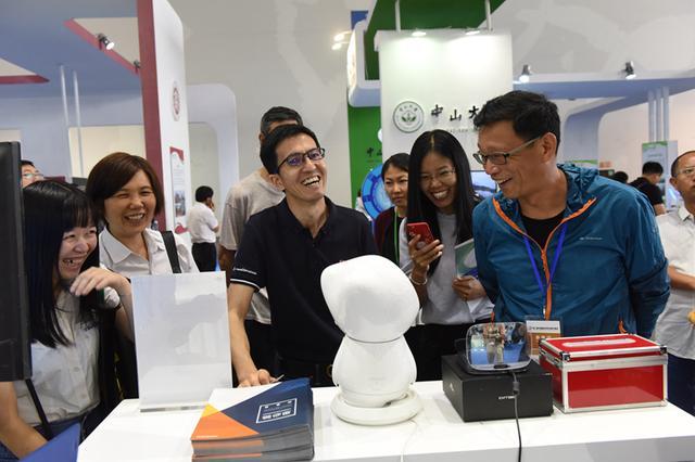 第二届中国高校科技成果交易会盛大开幕