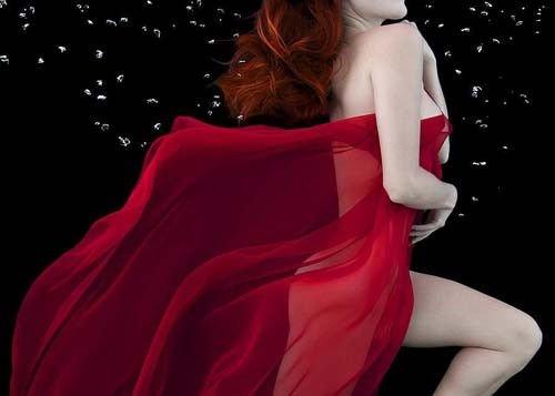 在自然界红色是性感色时尚心理学家凯特说
