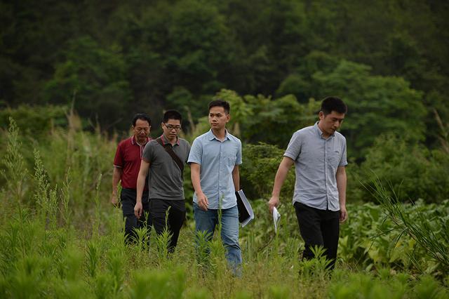 三个90后年轻人的扶贫路,既选择了远方,便只顾风雨兼程!