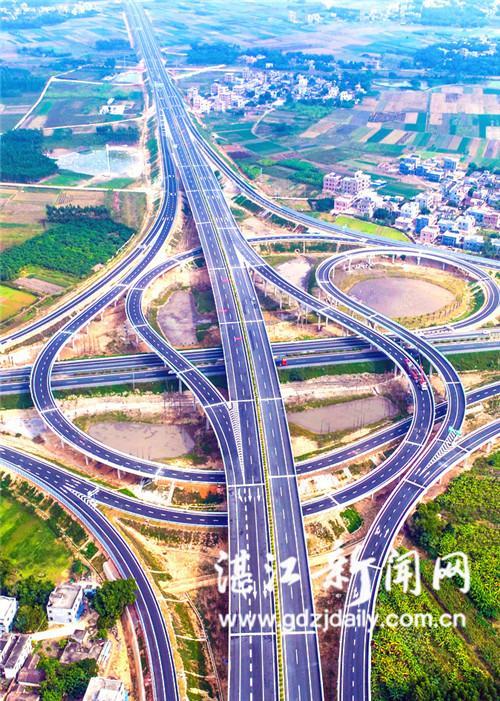 构建快速立体交通 群众出行省时省心