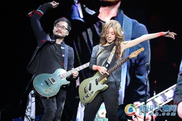 陈绮贞广州与男友PK吉他 放心票房全力备战