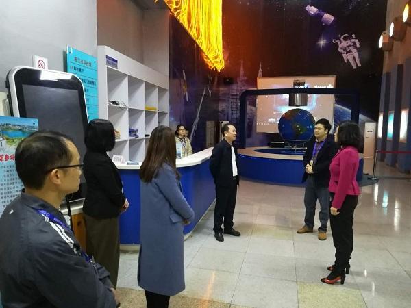 阳江市科协领导到市科技馆调研