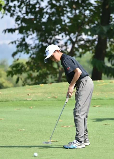 东莞举办各类高尔夫赛事让青少年勇于挑战自我