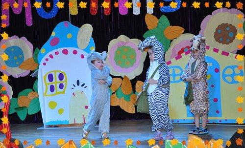 英文戏剧表演_GoodMorning艾立森幼儿园英语戏剧表演