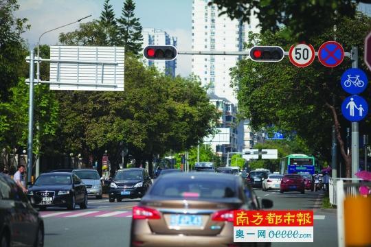 四川人口有多少_深圳目前有多少人口