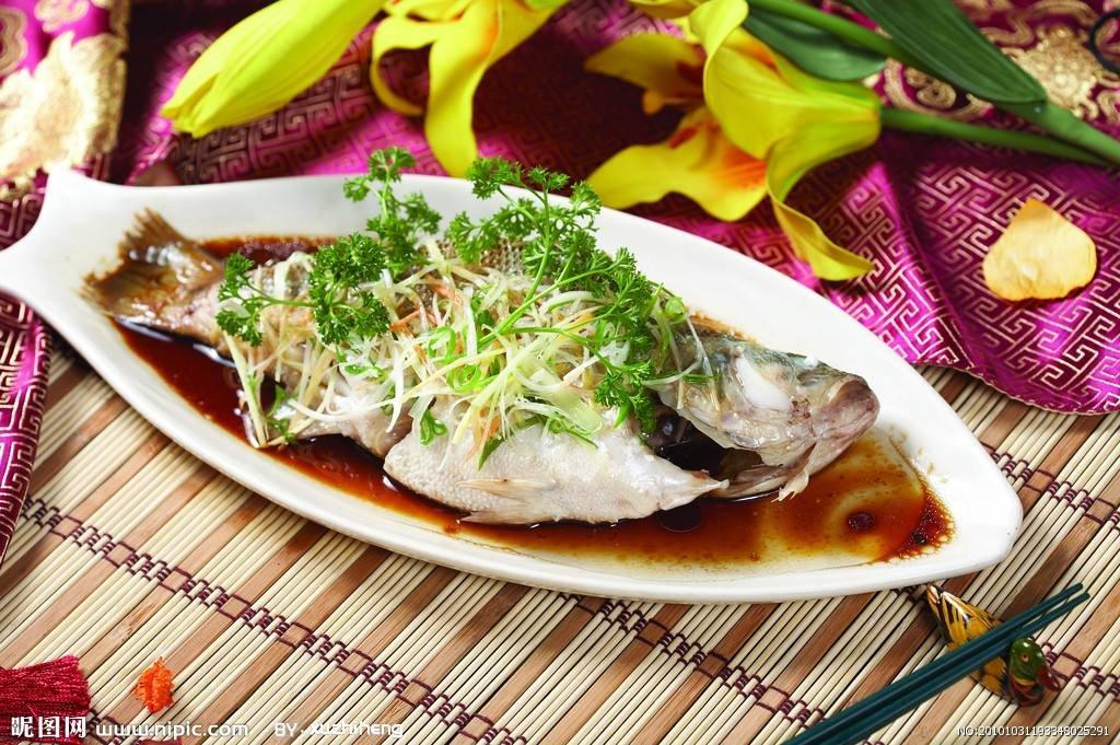简单美味之清蒸鲈鱼