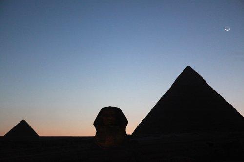 组图:2009埃及金字塔熄灯一小时