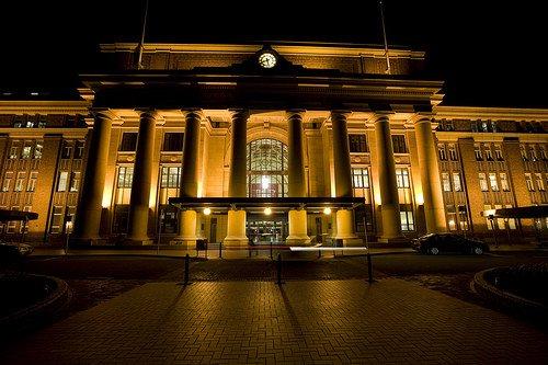 图文:新西兰惠灵顿火车站熄灯前后