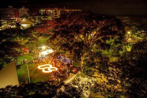 图文:斐济苏瓦市熄灯前后