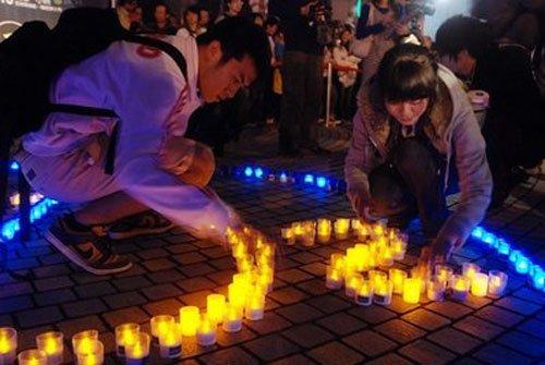 图文:台北市民用LED灯摆出No CO2字样