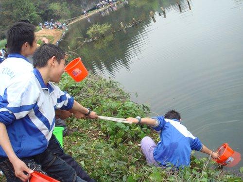 腾讯新乡村行动:让孩子们不再为缺水所困(图)