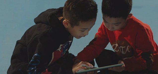 """""""孩子离不开电脑手机吗?给父母的三点小贴士"""