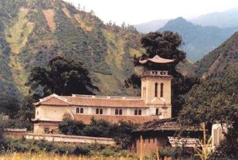 迪庆:茨中天主教堂