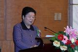 第十届全国人大常委会副委员长顾秀莲发表演讲