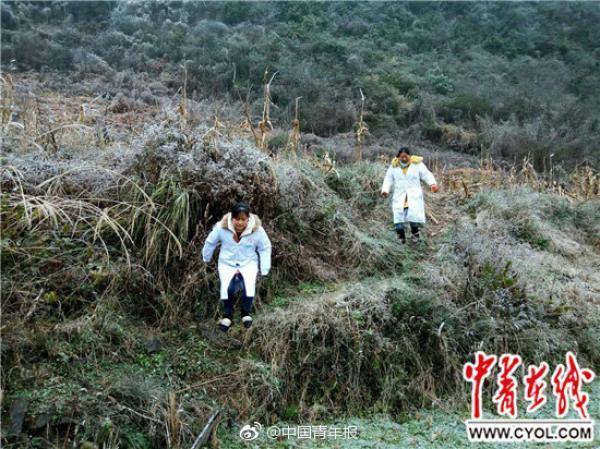 贵州遭雨雪凝冻天气,助产士爬冰山5小时为村民接生