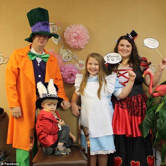 美四年级学生选择在疗养院与外婆共度生日