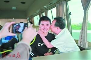 广东一小伙被拐13年,吃了碟炸生蚝后成功寻亲
