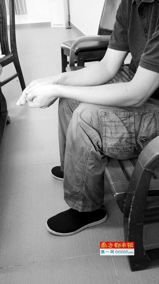 6岁儿子确诊为自闭症 抑郁症父亲投江自尽