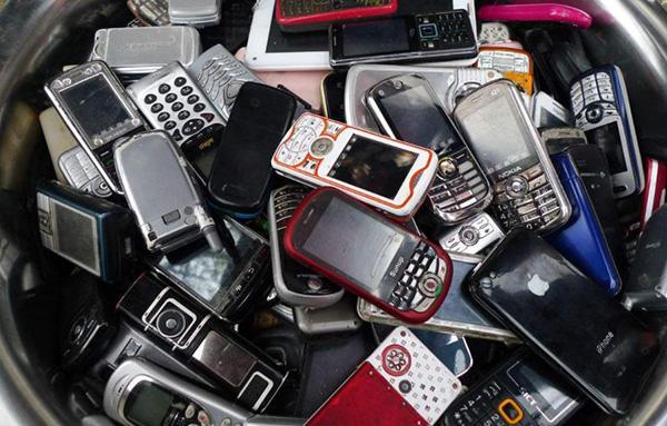 用手机致全球变暖?报废手机才是碳排放大户