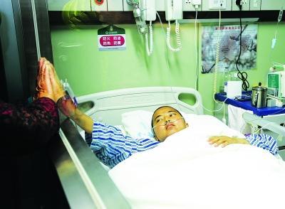 上海一工人为捐骨髓救人 2个月减肥22斤