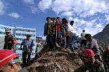 国务院:今日为舟曲遇难者举行全国哀悼 - 云海 - 云海.............