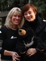 很多人都在关心拯救黑熊这一正义的事业,包括很多明星。