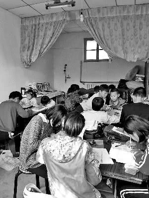 北京七旬老奶奶每周跨省辅导留守儿童