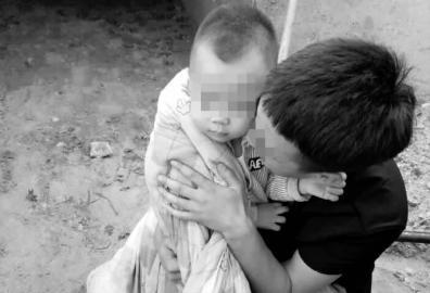 夫妻凌晨熟睡中醒来 发现睡身边5岁儿子被绑架