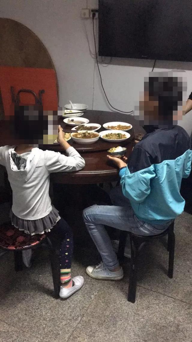 """14岁的碰瓷少年:""""我的孩子不能像爸妈一样做坏事"""""""