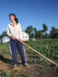 石嫣是国内第一位公费去美国务农的学生