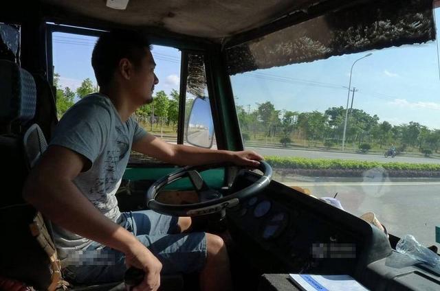 卡车司机的人性光芒和家国情怀